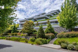"""Photo 1: 102 918 KEITH Road in West Vancouver: Park Royal Townhouse for sale in """"Evelyn - Cliffside II"""" : MLS®# R2466947"""