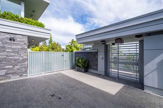 """Photo 2: 102 918 KEITH Road in West Vancouver: Park Royal Townhouse for sale in """"Evelyn - Cliffside II"""" : MLS®# R2466947"""