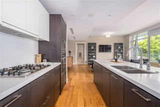 """Photo 8: 102 918 KEITH Road in West Vancouver: Park Royal Townhouse for sale in """"Evelyn - Cliffside II"""" : MLS®# R2466947"""