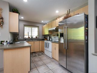 Photo 18: 3975 Blue Ridge Pl in : SW Strawberry Vale Single Family Detached for sale (Saanich West)  : MLS®# 850149