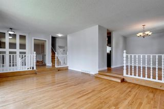 Photo 9: 303 STRAVANAN Bay SW in Calgary: Strathcona Park Detached for sale : MLS®# A1025695