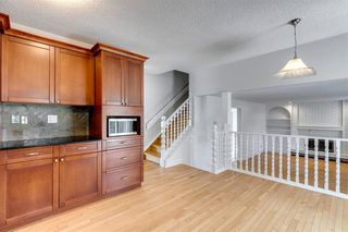 Photo 15: 303 STRAVANAN Bay SW in Calgary: Strathcona Park Detached for sale : MLS®# A1025695
