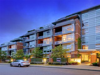 Main Photo: 603 365 Waterfront Cres in : Vi Rock Bay Condo Apartment for sale (Victoria)  : MLS®# 853603