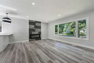 Photo 3: 12939 113A Street in Edmonton: Zone 01 House for sale : MLS®# E4221352