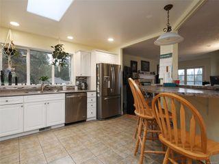 Photo 8: 2610 Selwyn Rd in : La Mill Hill House for sale (Langford)  : MLS®# 861524