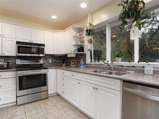 Photo 9: 2610 Selwyn Rd in : La Mill Hill House for sale (Langford)  : MLS®# 861524