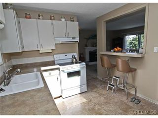 Photo 11: 3341 Betula Place in VICTORIA: Co Triangle Single Family Detached for sale (Colwood)  : MLS®# 304287