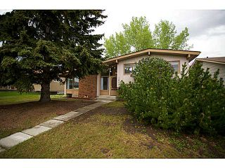 Main Photo: 1827 LAKE BONAVISTA Drive SE in CALGARY: Lake Bonavista Residential Detached Single Family for sale (Calgary)  : MLS®# C3524022