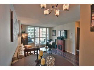 """Photo 9: 706 1212 HOWE Street in Vancouver: Downtown VW Condo for sale in """"1212 HOWE"""" (Vancouver West)  : MLS®# V1009386"""