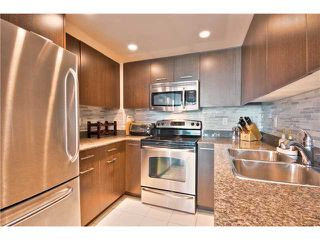 """Photo 5: 706 1212 HOWE Street in Vancouver: Downtown VW Condo for sale in """"1212 HOWE"""" (Vancouver West)  : MLS®# V1009386"""