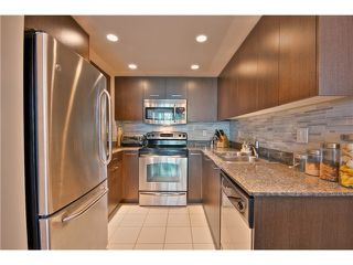 """Photo 4: 706 1212 HOWE Street in Vancouver: Downtown VW Condo for sale in """"1212 HOWE"""" (Vancouver West)  : MLS®# V1009386"""