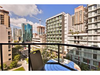 """Photo 13: 706 1212 HOWE Street in Vancouver: Downtown VW Condo for sale in """"1212 HOWE"""" (Vancouver West)  : MLS®# V1009386"""