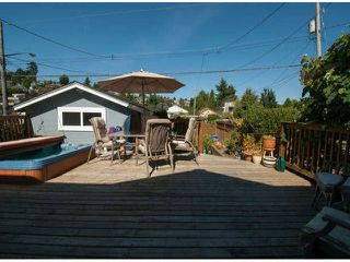 """Photo 14: 15570 VICTORIA Avenue: White Rock House for sale in """"East Beach - White Rock"""" (South Surrey White Rock)  : MLS®# F1319657"""