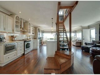 """Photo 1: 15570 VICTORIA Avenue: White Rock House for sale in """"East Beach - White Rock"""" (South Surrey White Rock)  : MLS®# F1319657"""