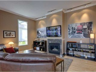 Photo 3: 707 20 Street NW in CALGARY: West Hillhurst Residential Attached for sale (Calgary)  : MLS®# C3585308