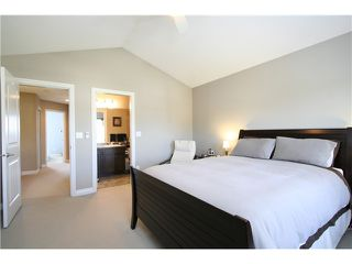 "Photo 11: 7035 180TH Street in Surrey: Cloverdale BC Townhouse for sale in ""Terraces at Provinceton"" (Cloverdale)  : MLS®# F1321637"