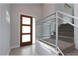 Photo 3: 254 Ontario St in VICTORIA: Vi James Bay Half Duplex for sale (Victoria)  : MLS®# 651971