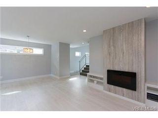 Photo 5: 254 Ontario St in VICTORIA: Vi James Bay Half Duplex for sale (Victoria)  : MLS®# 651971