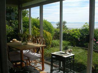 Photo 2: 904 TSAWWASSEN BEACH RD in Tsawwassen: English Bluff House for sale : MLS®# V1007442
