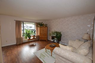 Photo 2: 207 2853 Bourquin Crescent in : Central Abbotsford Townhouse for sale (Abbotsford)  : MLS®# f1435180