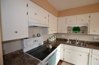 Photo 5: 207 2853 Bourquin Crescent in : Central Abbotsford Townhouse for sale (Abbotsford)  : MLS®# f1435180