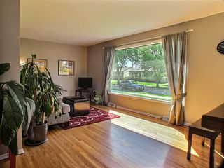 Photo 5: 105 Havelock Avenue in Winnipeg: St Vital Residential for sale (South East Winnipeg)  : MLS®# 1516342