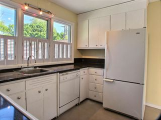 Photo 3: 105 Havelock Avenue in Winnipeg: St Vital Residential for sale (South East Winnipeg)  : MLS®# 1516342