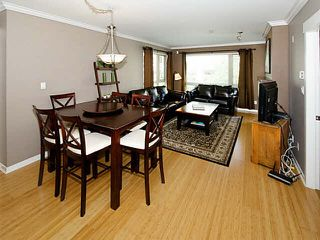 Photo 2: 304 1315 56TH STREET in Tsawwassen: Cliff Drive Condo for sale : MLS®# V1135339