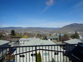 Photo 8: 228 Monashee Place in Kamloops: Sahali House 1/2 Duplex for sale