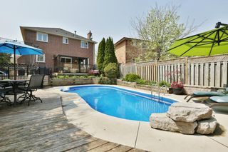 Photo 8: 104 River Oaks Blvd W in : 1015 - RO River Oaks FRH for sale (Oakville)  : MLS®# OM2087125