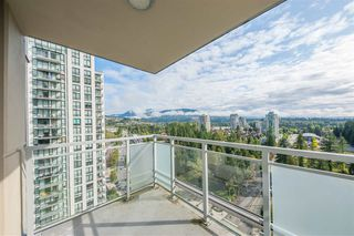 "Photo 5: 2205 3008 GLEN Drive in Coquitlam: North Coquitlam Condo for sale in ""MTWO"" : MLS®# R2405924"
