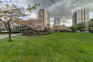 Photo 2: 302 3437 KINGSWAY in Vancouver: Collingwood VE Condo for sale (Vancouver East)  : MLS®# R2427879