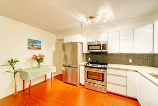 Photo 7: 302 3437 KINGSWAY in Vancouver: Collingwood VE Condo for sale (Vancouver East)  : MLS®# R2427879