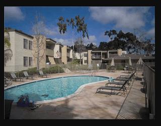 Photo 3: Apartment  : 1 bedrooms : 432 Edgehill Lane #45 in Oceanside