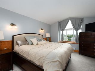 Photo 11: 3880 Mildred St in Saanich: SW Strawberry Vale House for sale (Saanich West)  : MLS®# 844822