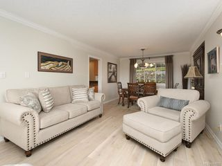 Photo 4: 3880 Mildred St in Saanich: SW Strawberry Vale House for sale (Saanich West)  : MLS®# 844822