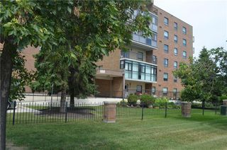 Photo 2: 201 1840 Henderson Highway in Winnipeg: North Kildonan Condominium for sale (3G)  : MLS®# 202017053