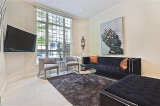 Photo 3: 896 HAMILTON Street in Vancouver: Downtown VW Townhouse for sale (Vancouver West)  : MLS®# R2497957