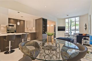Main Photo: 896 HAMILTON Street in Vancouver: Downtown VW Townhouse for sale (Vancouver West)  : MLS®# R2497957