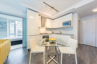 """Photo 3: 804 1283 HOWE Street in Vancouver: Downtown VW Condo for sale in """"Tate On Howe"""" (Vancouver West)  : MLS®# R2526622"""