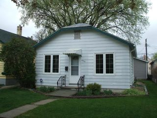Photo 2: 439 Lariviere Street in WINNIPEG: St Boniface Residential for sale (South East Winnipeg)  : MLS®# 1208961