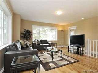 Photo 3: 1274 Vista Heights in VICTORIA: Vi Hillside Strata Duplex Unit for sale (Victoria)  : MLS®# 311221