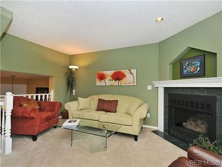 Photo 4: 3006 Scott St in VICTORIA: Vi Oaklands Row/Townhouse for sale (Victoria)  : MLS®# 620524