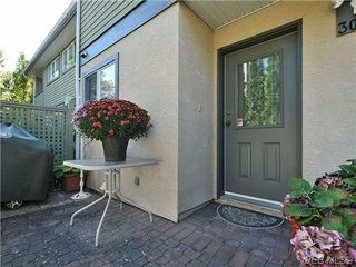 Photo 17: 3006 Scott St in VICTORIA: Vi Oaklands Row/Townhouse for sale (Victoria)  : MLS®# 620524