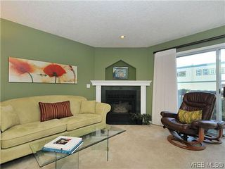 Photo 5: 3006 Scott St in VICTORIA: Vi Oaklands Row/Townhouse for sale (Victoria)  : MLS®# 620524