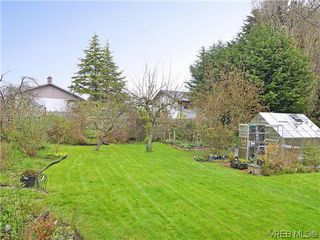 Photo 17: 966 Snowdrop Avenue in VICTORIA: SW Marigold Single Family Detached for sale (Saanich West)  : MLS®# 322574