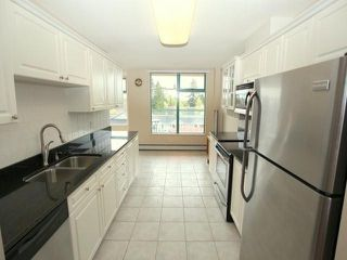 "Photo 2: 501 15466 N BLUFF Road: White Rock Condo for sale in ""The Summit"" (South Surrey White Rock)  : MLS®# F1311524"