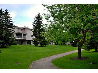 Photo 1: # 69 3015 51 ST SW in CALGARY: Glenbrook Condo for sale (Calgary)  : MLS®# C3620259