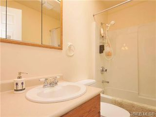 Photo 16: 85 Wolf Lane in VICTORIA: VR Glentana Manufactured Home for sale (View Royal)  : MLS®# 677827