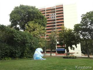 Main Photo: 1202 15 Kennedy in Winnipeg: Downtown Apartment for sale (Central Winnipeg)  : MLS®# 1325400
